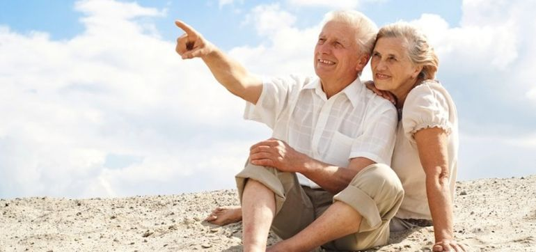 10 Secrets To Staying Happily Married For 50 Years Hero Image