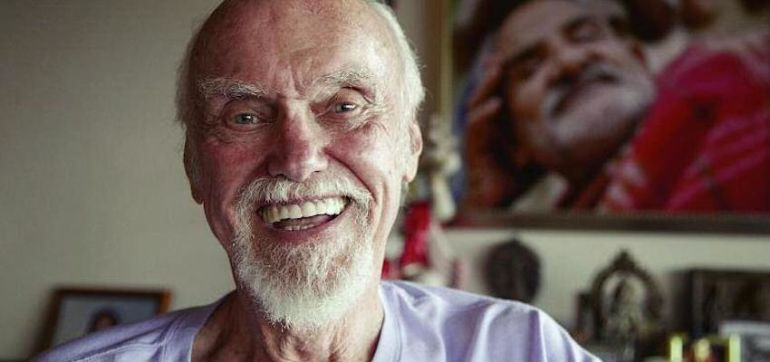 10 Inspirational Quotes Of Buddhist Wisdom From Ram Dass & Friends Hero Image