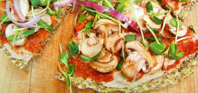 Raw Vegan Pizza! Hero Image