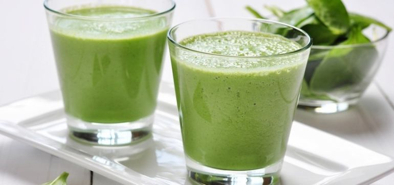 5 Tips To Detox With Green Smoothies Hero Image
