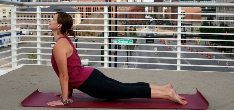 What Every Yoga Teacher Needs To Know About The SI Joint Hero Image