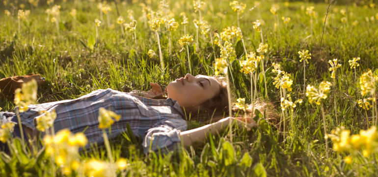 A Simple Meditation To Declutter Your Mind For A Fresh Start Hero Image