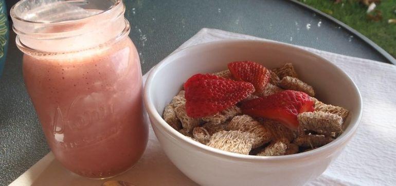 Recipe: Homemade Strawberry Oat Milk Hero Image