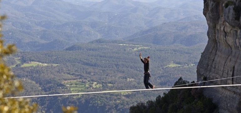 7 Ways To Be As Mentally Tough As A High-Wire Stuntman Hero Image