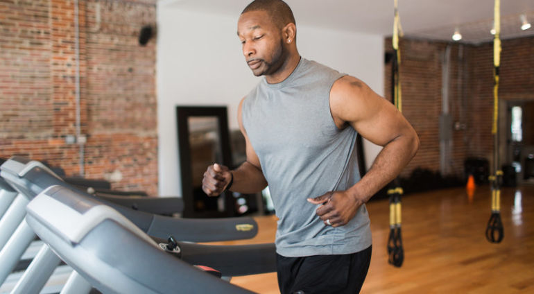 3 Mistakes You're Making On The Treadmill + How To Fix 'Em Hero Image