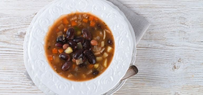 A Healthy Vegetarian Chili To Warm Your Bones Hero Image