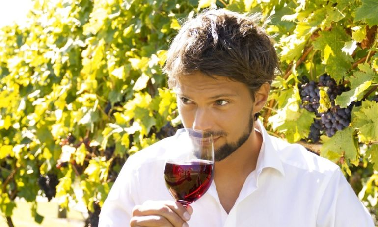 Can Drinking Wine Help You Lose Weight? Hero Image