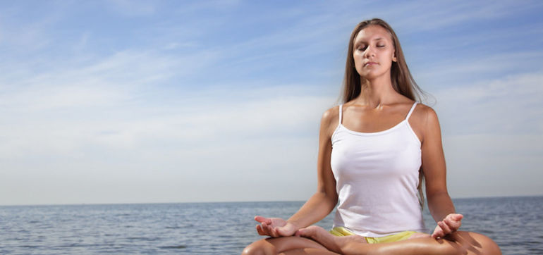 An 11-Minute Breathing Exercise For Stronger Abs & A Clearer Mind Hero Image