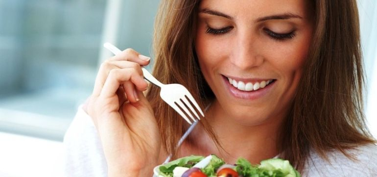 Study: Vegetarians Are Healthier, Live Longer Than Meat-Eaters Hero Image