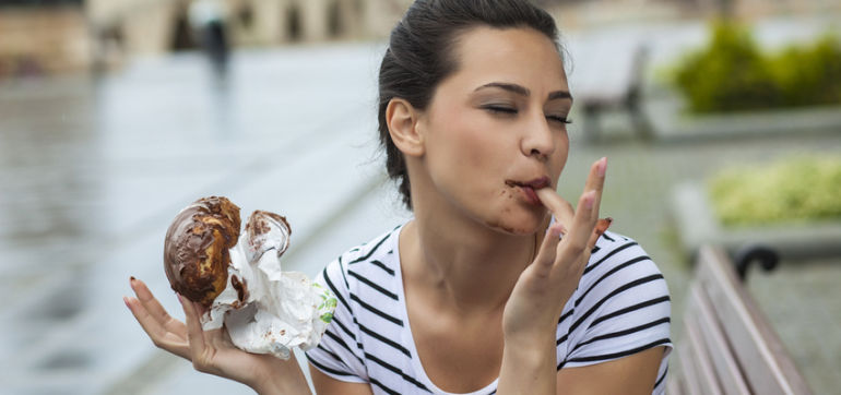 11 Signs You Have A Healthy Relationship With Food Hero Image
