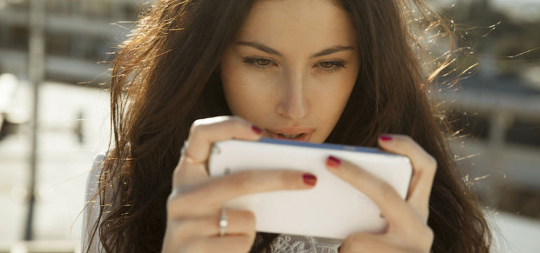 Addicted To Your Smartphone? 5 Ways To Set Boundaries Hero Image