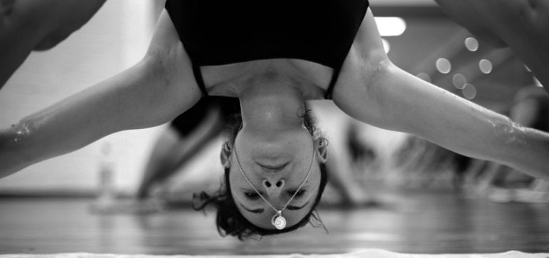5 Things I Wish People Would Stop Doing In Bikram Yoga Hero Image