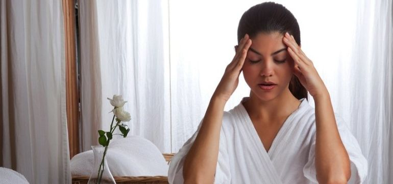 The 1-Minute Stress-Busting Eye Massage (Video) Hero Image
