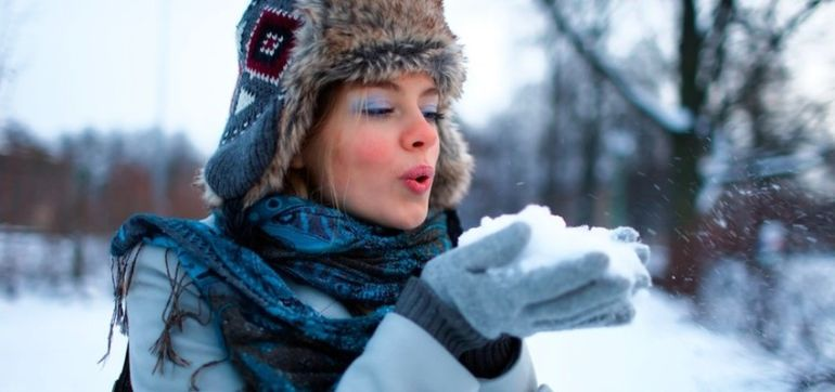 6 Toxin-Free Tips To Prevent Dry Winter Skin Hero Image