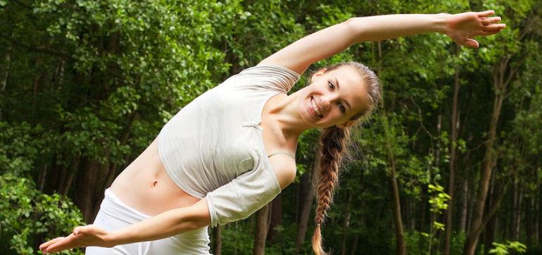 20 Reasons Why Yoga Heals Hero Image