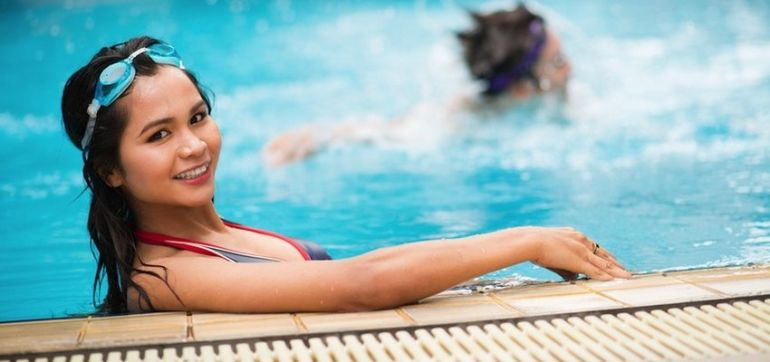 Going To The Pool? Tips To Avoid Toxins Hero Image