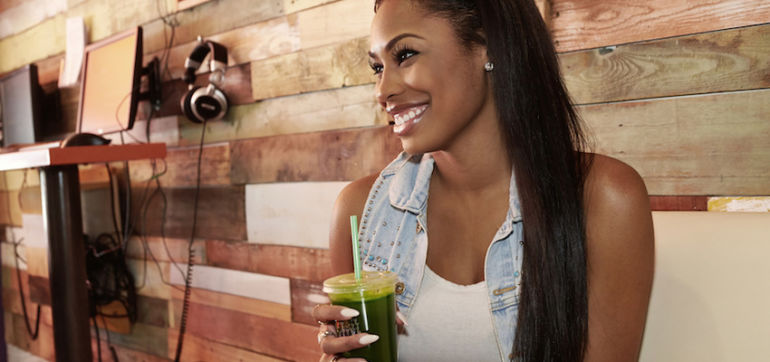 A 30-Day Detox To Fight Aging & Reduce Inflammation Hero Image
