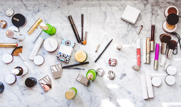 4 Steps To Greening Your Makeup Bag Without Going Crazy Hero Image