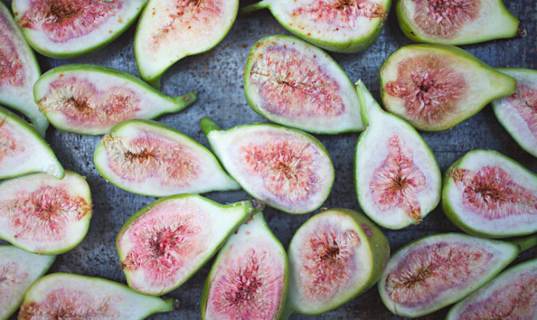 5 Foods You Didn't Know Were Aphrodisiacs Hero Image