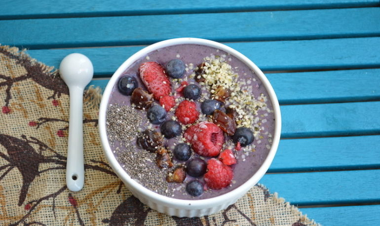 The Smoothie Bowl Basics + A Delicious Recipe To Get You Started Hero Image