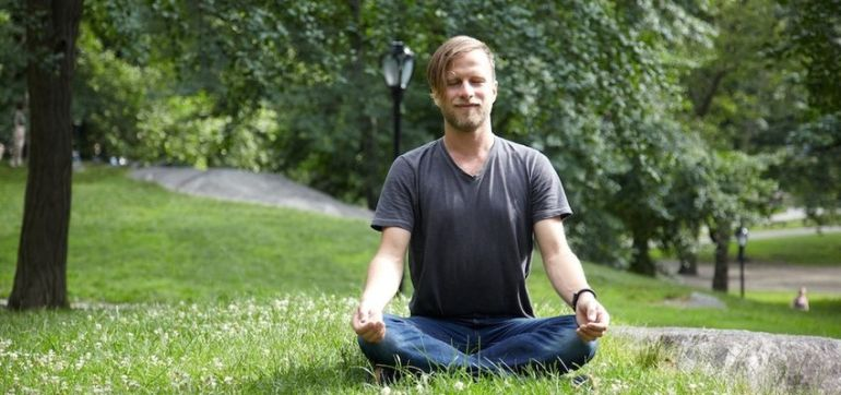How Meditation Can Help You Get Calm, Relaxed, Healthy & Happy Hero Image