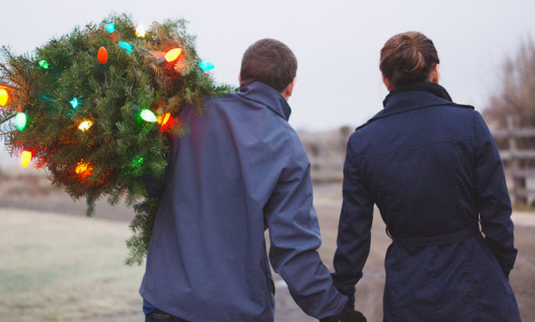 9 Ways To Deal With The Holidays When You're Experiencing Infertility Hero Image