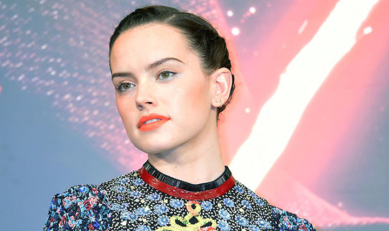 Daisy Ridley Gets Refreshingly Honest About Her Struggle With Endometriosis Hero Image