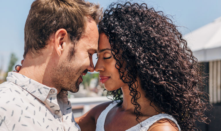 These Mindful Dating Apps Can Help You Create A Conscious Relationship Hero Image