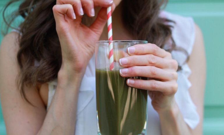 3 Detoxifying Ingredients, 1 Juice Recipe (No Juicer Required!) Hero Image