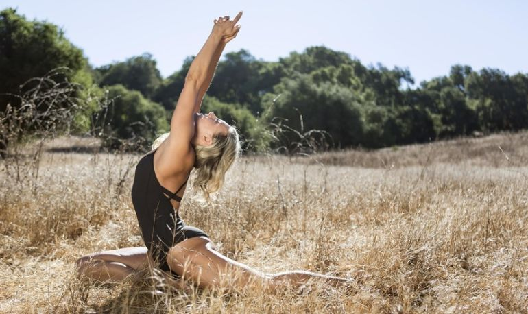 A 10-Minute Yoga Flow To Strengthen Your Whole Body Hero Image