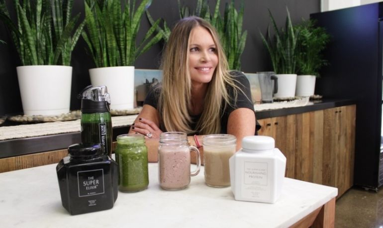 Elle Macpherson Made Us Smoothies & Spilled Her Wellness Secrets Hero Image