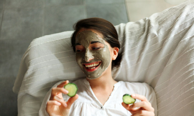 4 Simple Tips That Will Change The Way You Apply A Face Mask Hero Image