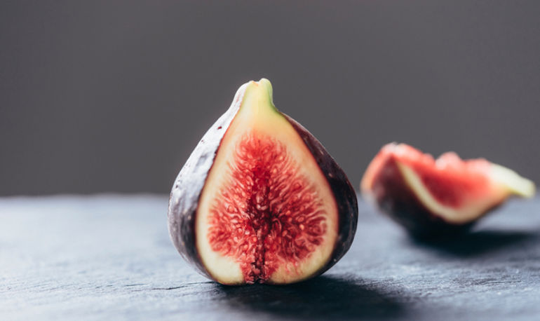 All The Ways You Should Be Adding Fresh Figs To Your Meals Before September Ends Hero Image