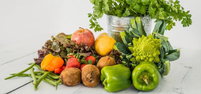 12 Fruits & Veggies You Should Buy Organic Hero Image