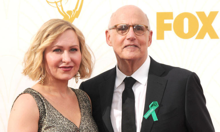 This Is Why Everyone Was Wearing Green Ribbons At The Emmys Last Night Hero Image