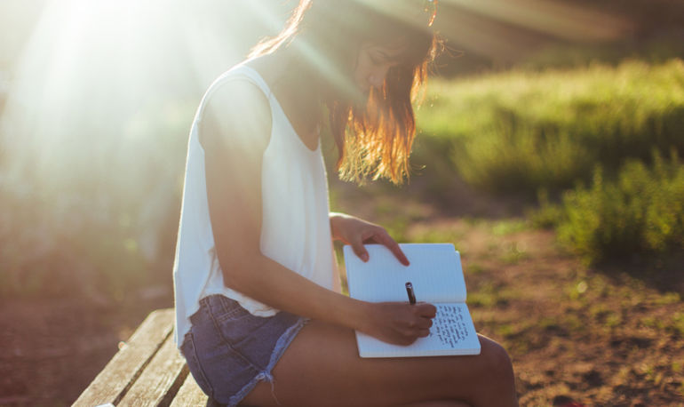 How To Become More Mindful Using Nothing But A Journal Hero Image