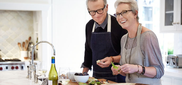 7 Loving Ways To Get Your Parents To Eat Healthier Hero Image