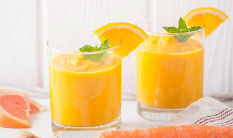 Bounce Back From The Weekend With This Turmeric Smoothie Hero Image