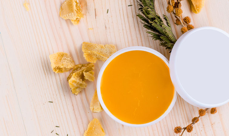 The Easy 3-Ingredient Recipe For Your Own DIY Face Moisturizer Hero Image