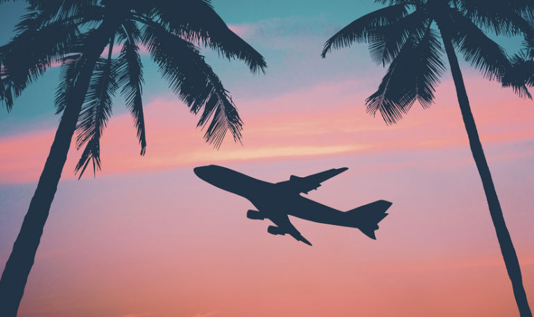 5 Essential In-Flight Beauty Hacks Travel Pros Swear By Hero Image