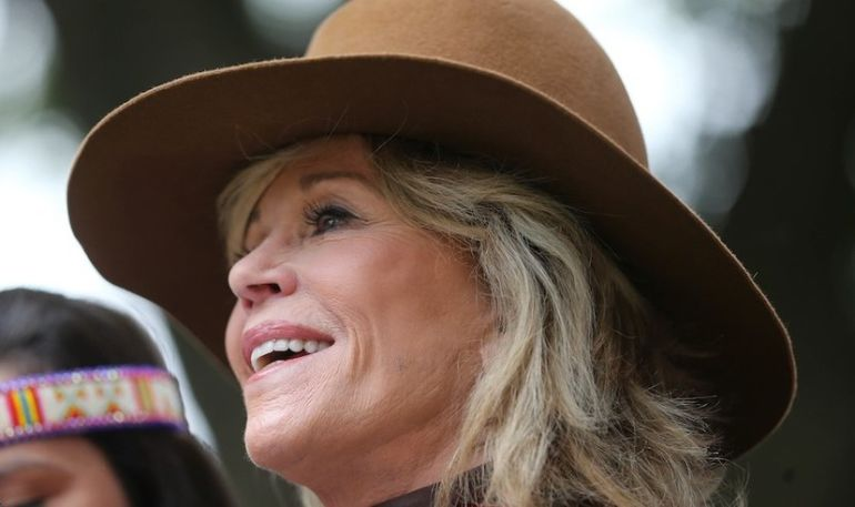 Jane Fonda On Getting Older, Staying Healthy & Embracing Her 80s (Hint: Yoga Is Involved) Hero Image