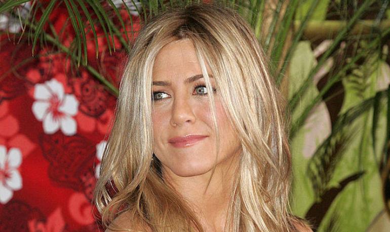 Jennifer Aniston Shuts Down Pregnancy Rumors & Blasts Body-Shaming Tabloids Hero Image