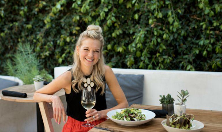 What Holistic Dietitian Jodi Bullock Eats In A Day Hero Image