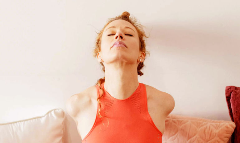 The Nighttime Routine That Cured My Insomnia & Anxiety Hero Image