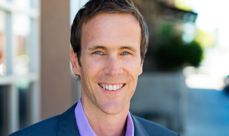 Chris Kresser On Healing, Dealing With Stress And #Wellth Hero Image