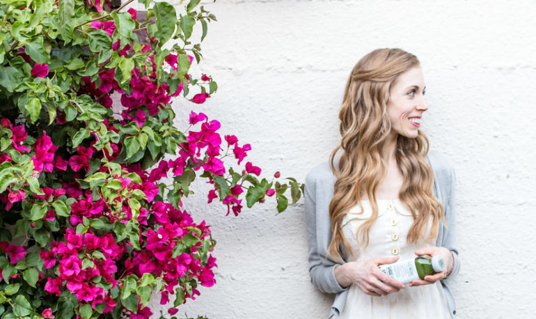 What Holistic Dietitian & Nutritionist Katie Shields Eats In A Day Hero Image