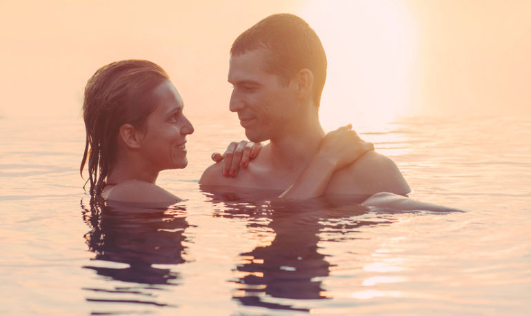 "Lost That ""Honeymoon Phase"" Feeling? 10 Tips For Getting It Back Hero Image"