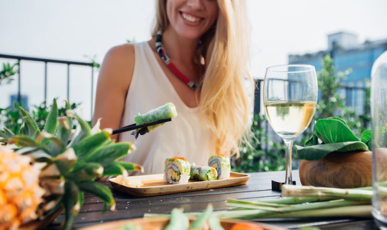 Create Healthier Food Habits In 2 Simple Steps: A Holistic Nutritionist Explains Hero Image
