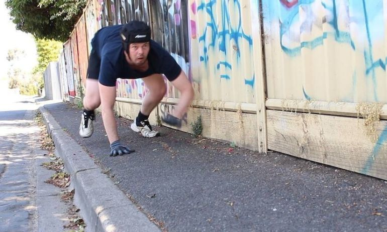 """Could """"Crunning"""" Be The Next Weird Fitness Craze? Hero Image"""