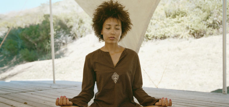 5 Yoga & Meditation Techniques To Help You Practice Gratitude Hero Image